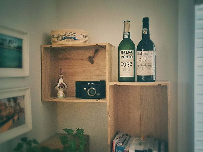 wine crates, floating shelves, kitchen decoration