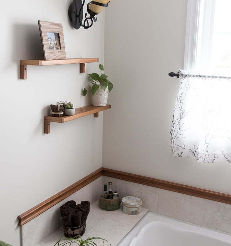 Bathroom makeover | small budget | DIY | Home Decor | Rope Mirror | Simple Update Trash Can | Crochet Baskets | Deer Art | Rustic ladder