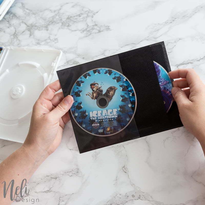 Sauver de l'espace | Organisation DVD |Blu-ray | DIY | pochette de rangement pour DVD | organisation | petit espace, DVD de Disney, sauver sa collection #dvdcollection #dvd #organization #collection #organisation #savespace
