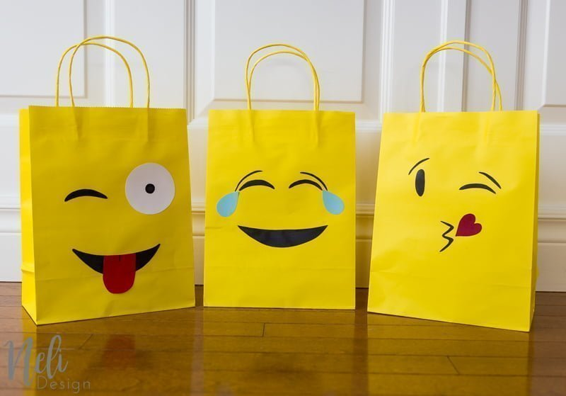 Emoji Party bags | free silhouette cut files | Sacs surprises fête d'enfant | gabarit gratuit | Cricut svg