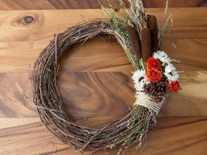 Fall Wreath   Autumn   DIY   Flowers   Tutorials   Home decor   Couronne d'automne   Pine cone   Cocotte   Quenouilles