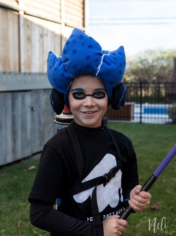 Splatoon 2 | Kid Halloween Costume | T-shirt | Cosplay | Inkling boy costume | blue | headphones | shirt | Ink tank | Ink roller | Paint roller | rouleau de peinture | DIY | Tutorial | garçon| Stencil | pochoir | gabarit gratuit | Free template