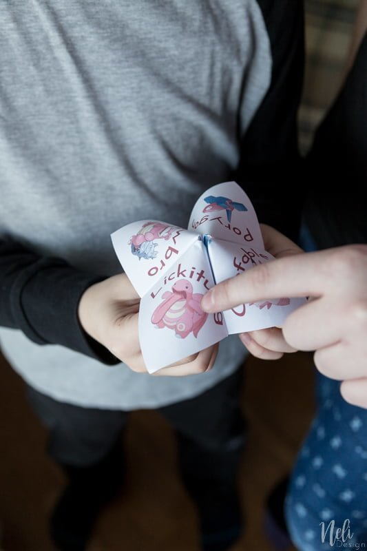 Cootie Catcher | Valentine's day free printable | fun for kids | St-Valentin | Coin-coin à imprimer gratuit | Pokémon | Porygon | Slowbro | Lickitung | Clefable | Pink Pokemon rose | Les enfants s'amusent