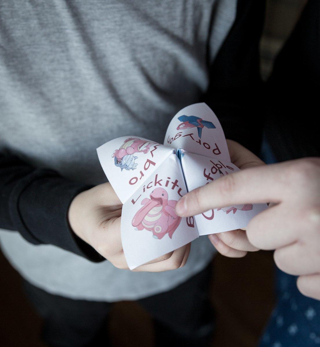 Cootie Catcher   Valentine's day free printable   fun for kids   St-Valentin   Coin-coin à imprimer gratuit   Pokémon   Porygon   Slowbro   Lickitung   Clefable   Pink Pokemon rose   Les enfants s'amusent