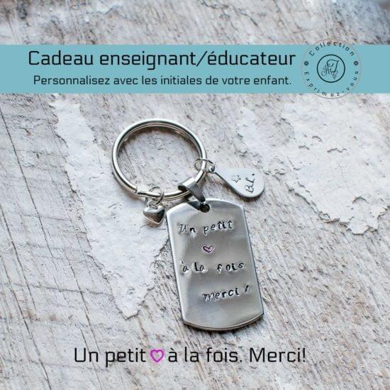 Porte-clé en métal avec l'inscription : un petit cœur à la fois, merci!