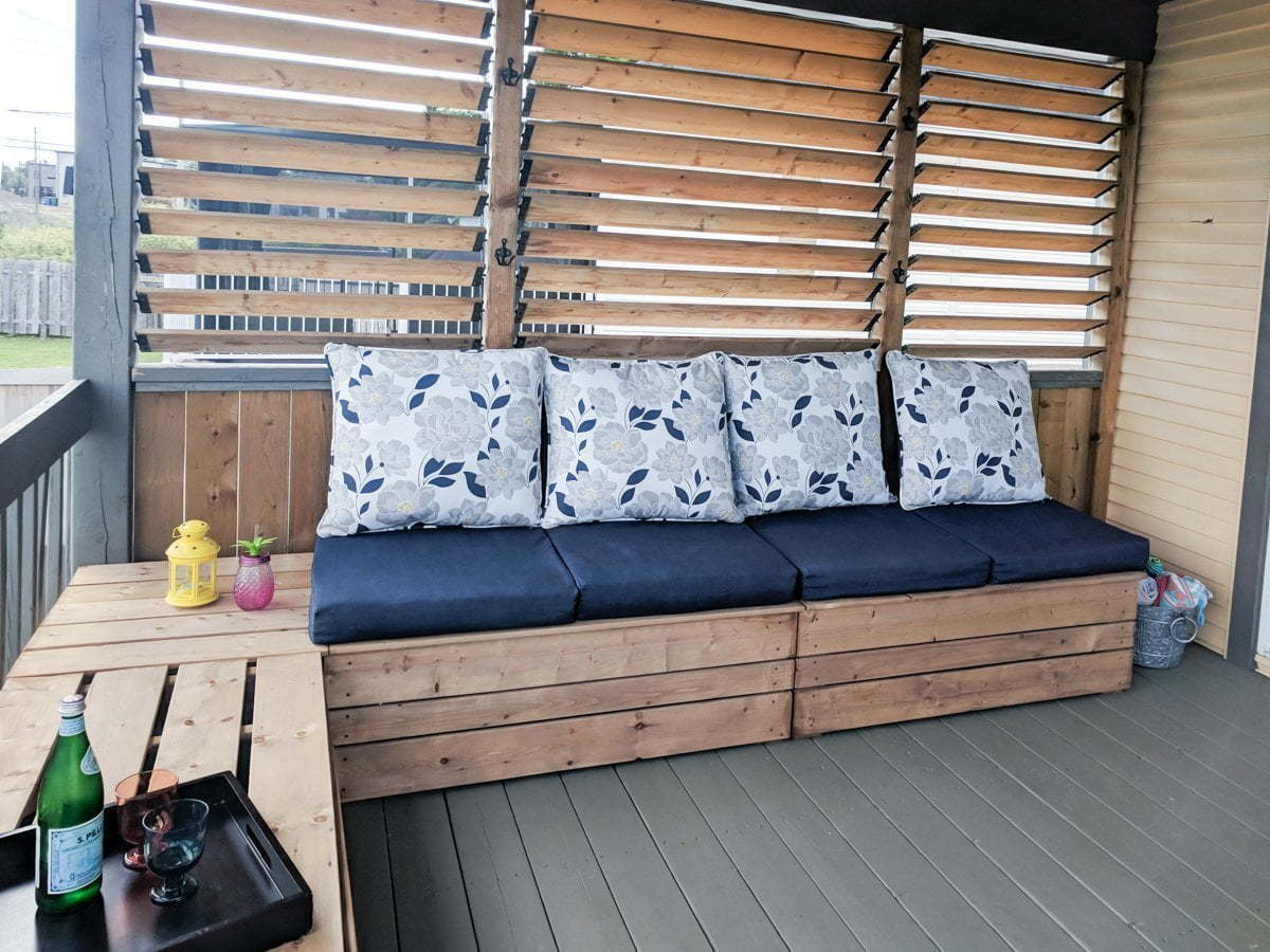 The final result of the outdoor modular seating with storage