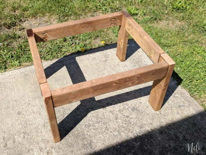 The structure of the corner table of the modular outdoor bench with storage
