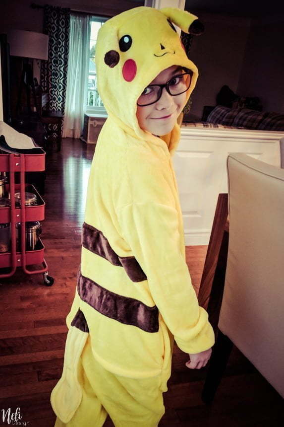 Find a lot of One-piece costume ideas for Halloween. These onesies pajamas are for kids but also for the whole family. Follow this trend for Halloween and be comfortable in your onesie pyjamas. #onesie #halloween #costume #pikachu #unicorn #winniethepooh