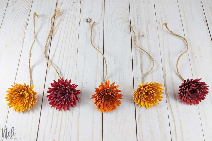 5 chrysanthemum paper flowers that was DIY