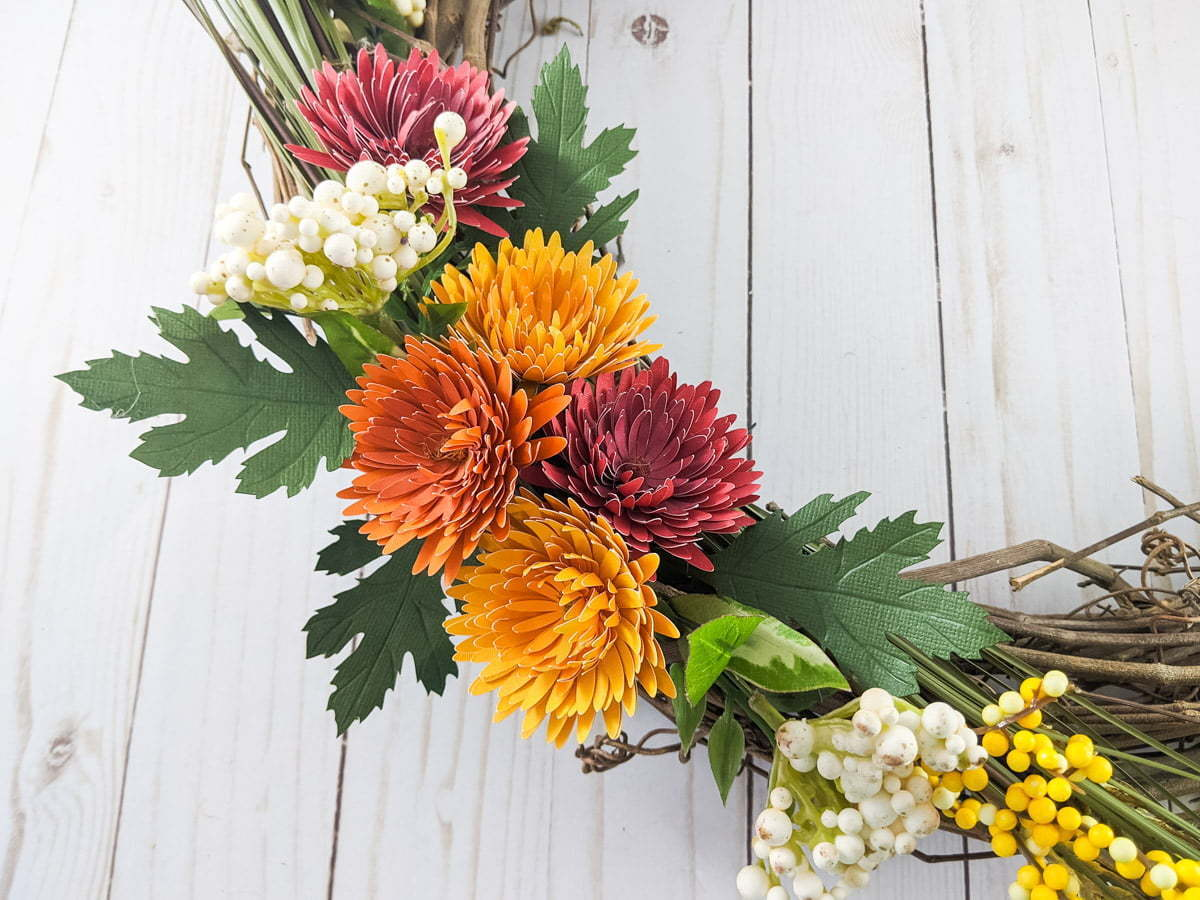 DIY chrysanthemum paper flowers on a wreath