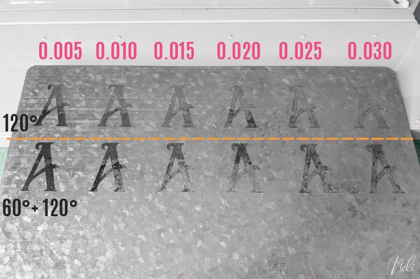 Plusieurs tests d'espacements pour faire ressortir la gravure sur le métal