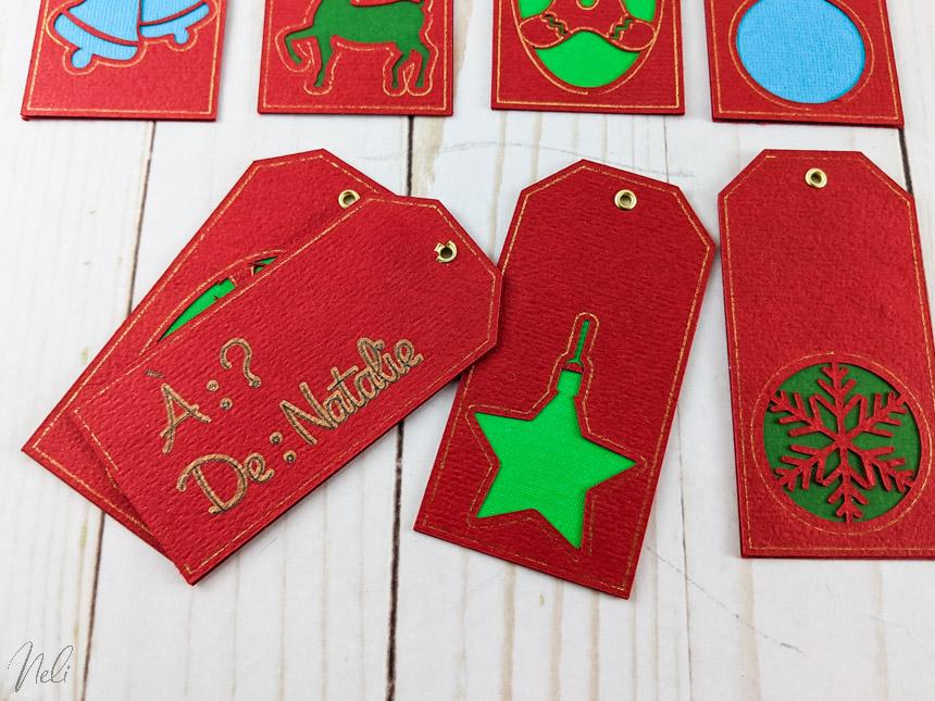 L'arrière des étiquettes de Noël fabriquée avec la pointe Foil de Cricut